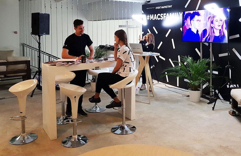 Барные стулья на мероприятии